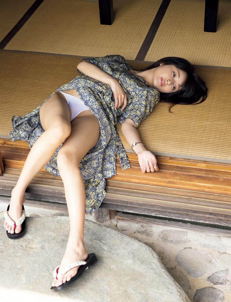Shindou-Manami-Naked-003
