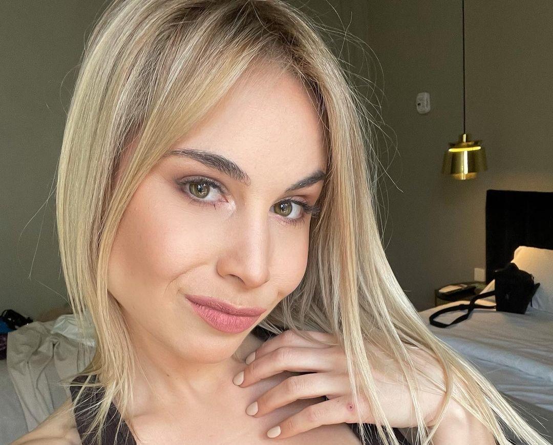Bianca-Anastasia-Wallpapers-Insta-Fit-Bio-5