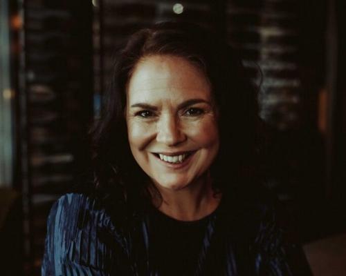 @FaroEditorial acaba de adquirir os direitos do primeiro romance da Australiana Jacqueline Bublitz