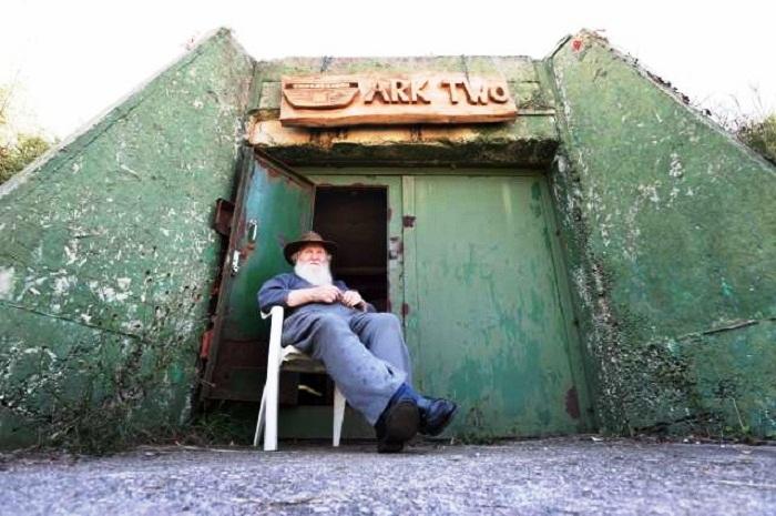 Более 50 лет Брюс Бич поддерживает свое бомбоубежище в полной боевой готовности (Ark Two, Канада). | Фото: nationalpost.com.