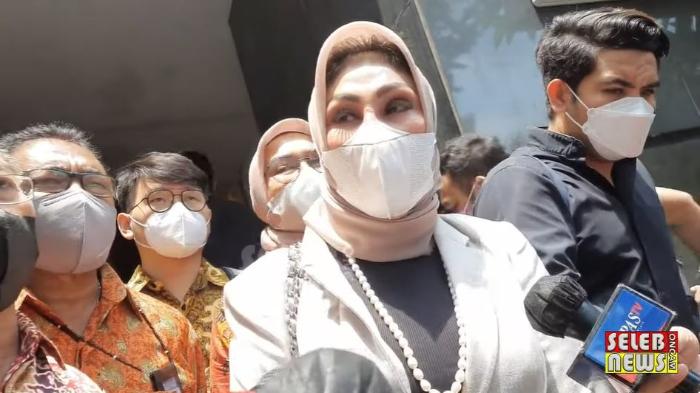 Kuasa hukum Olivia Nathania, Susanti Agustina saat ditemui di Polda Metro Jaya terkait mangkirnya klien dari panggilan polisi, Selasa (5/10/2021).