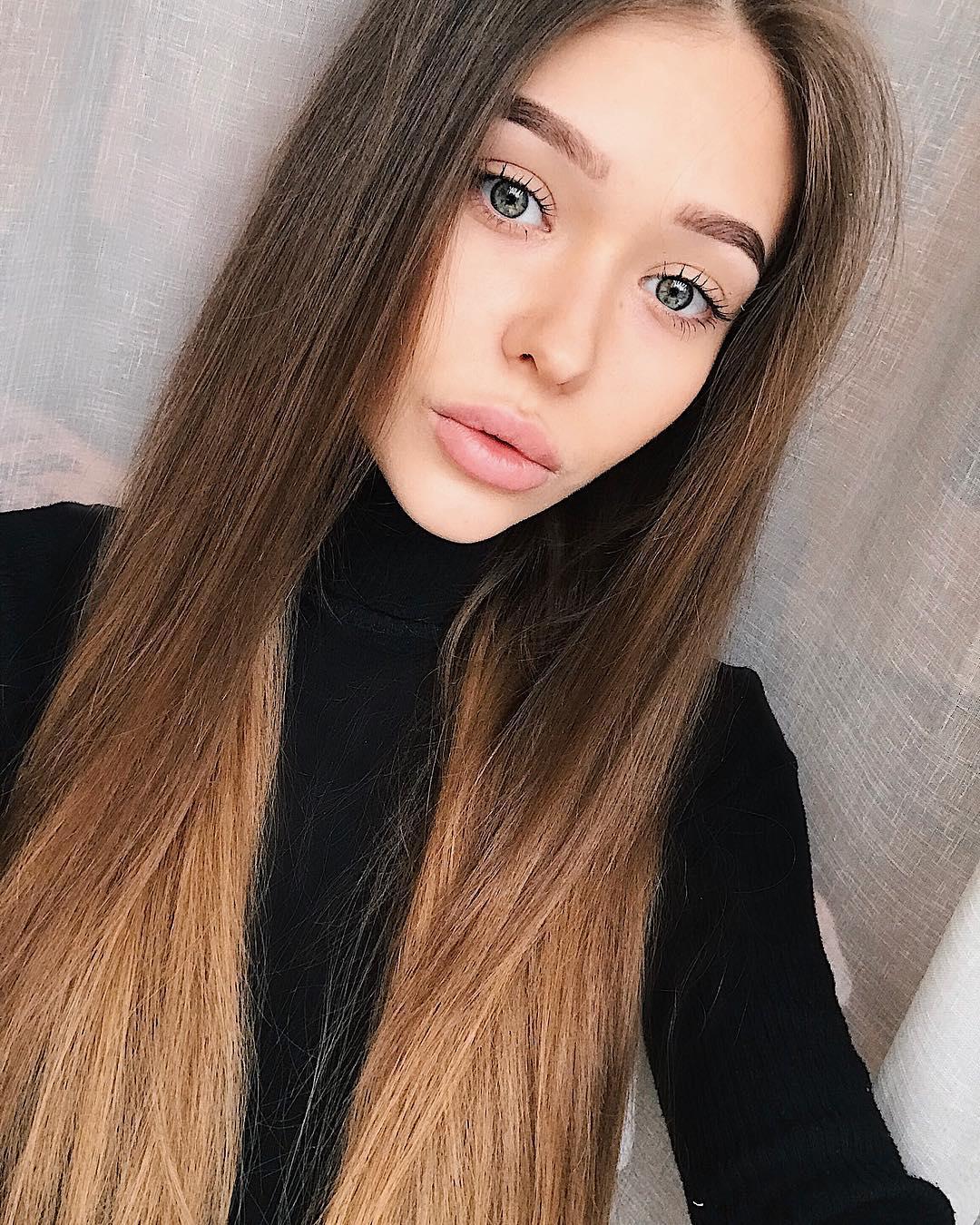 Anna-Shlomenko-Wallpapers-Insta-Fit-Bio-3