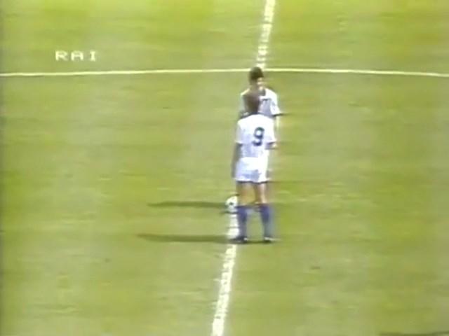 1982-06-23-WC-Italy-vs-Cameroon-mkv-snapshot-00-01-42-2020-05-12-18-47-23