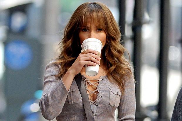 Jennifer-Lopez-scoopnest