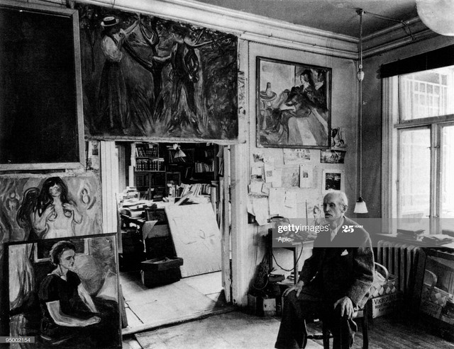 Edvard-Munch-1863-1944-in-his-studio-with-canvas-in-Ekely-at-Skoyen-Oslo-Norway-in-1943-last-photogr.jpg