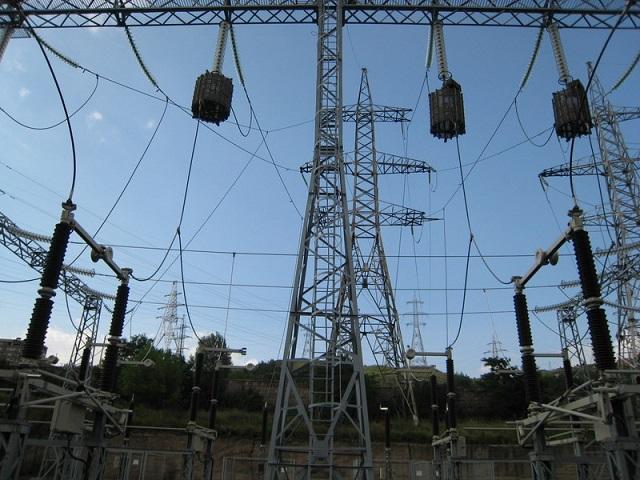 Электромонтажные работы на напряжение 6-10кВ