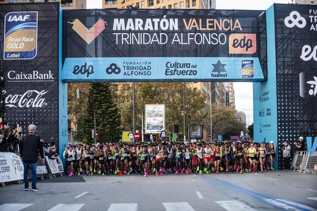 salida-maraton-valencia-travelmarathon-es