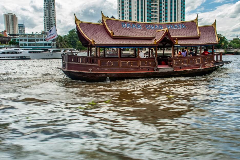 Shuttle-boat