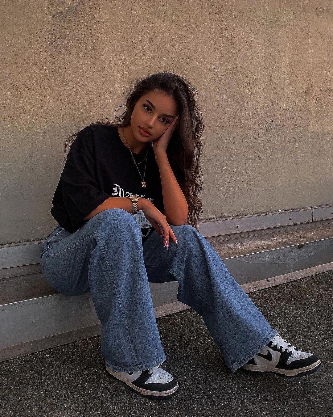 Leyla-Melina-Wallpapers-Insta-Fit-Bio-33