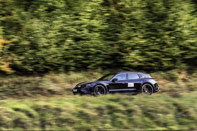 2020 - [Porsche] Taycan Sport Turismo - Page 3 39-ADD74-B-A59-F-4-A89-84-D1-26-F6-AEDA735-A