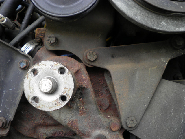 [Image: engine-front-brackets-a.jpg]