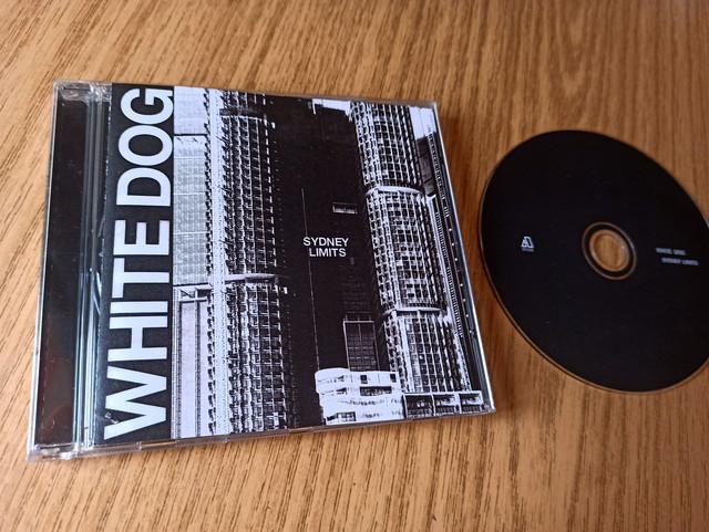 ¡Larga vida al CD! Presume de tu última compra en Disco Compacto - Página 17 WHITE-DOG-cd