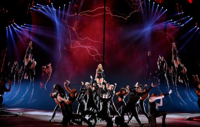 Taylor Swift Reputation tour 768x488