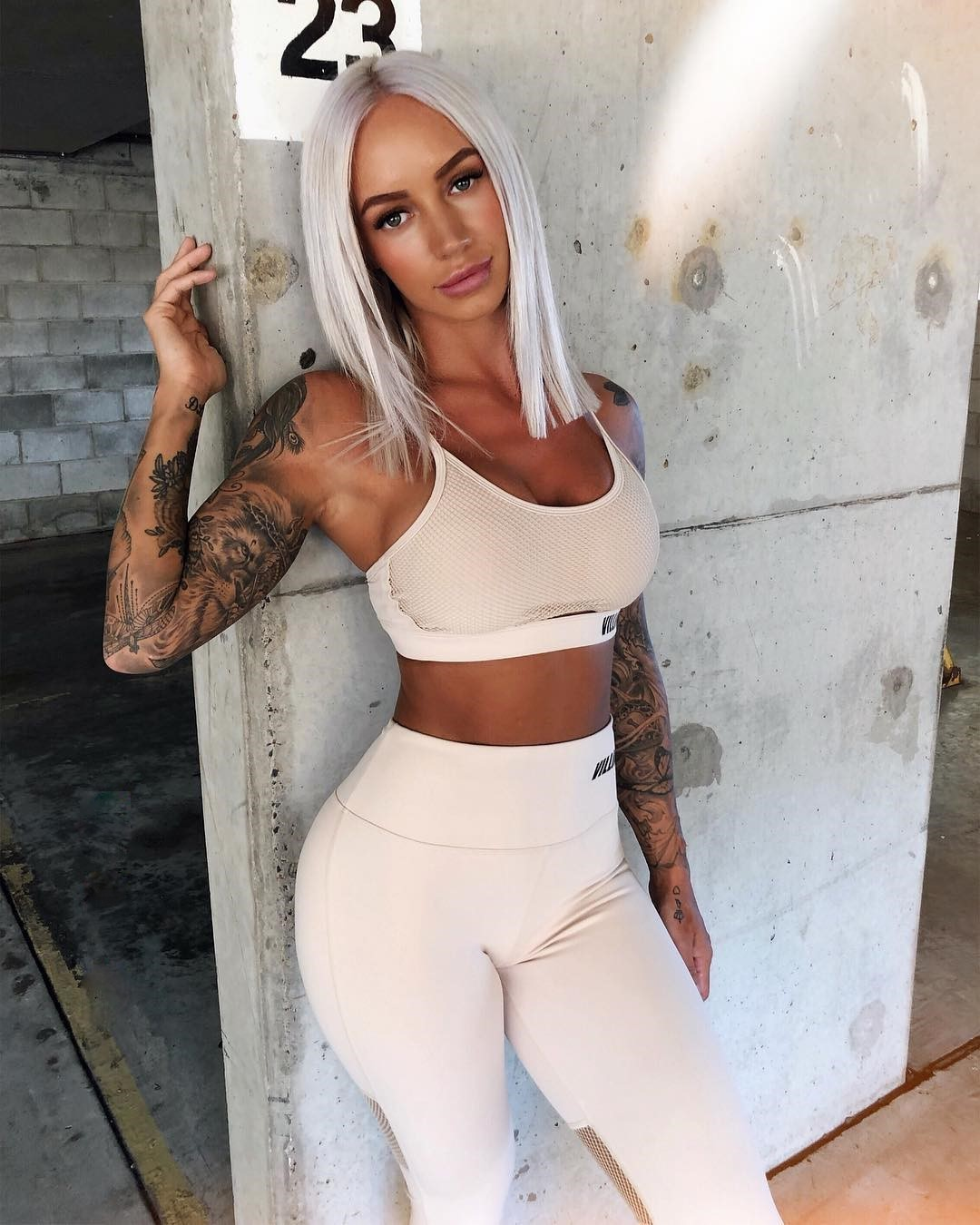 Court-Walding-Wallpapers-Insta-Fit-Bio-2