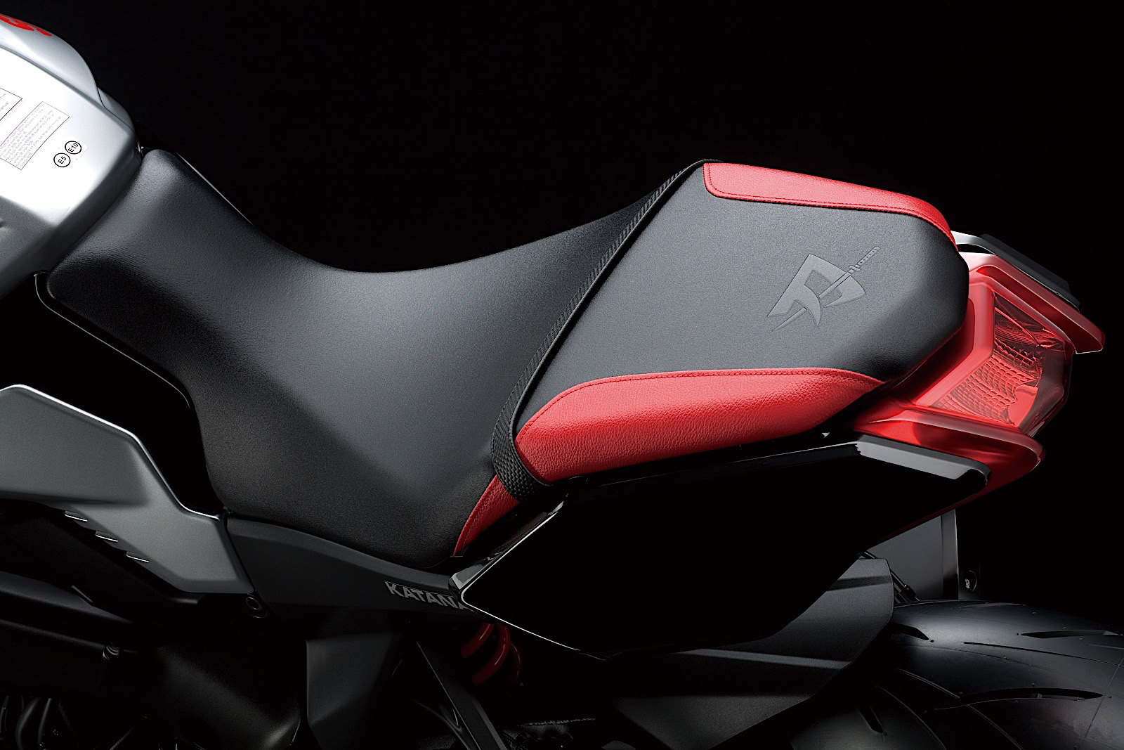 katana-m0-colored-seat