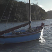 06-working-boat-blue