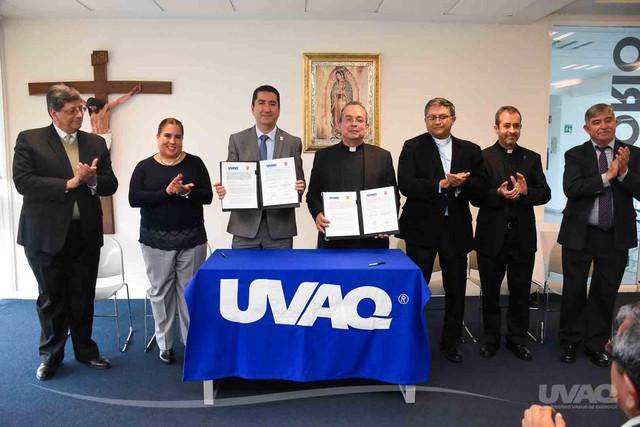 firma-convenio-UVAQ-4