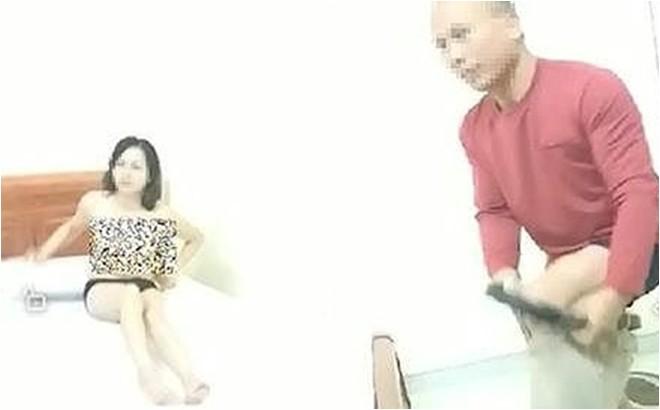 Clip: Thầy giáo cởi đồ cô giáo sưởi ấm cho nhau bị bắt quả tang...Tình ngay lý gian!!!