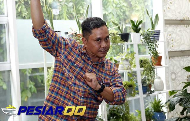 Totos Rasiti Menikmati Karakternya Sebagai Om Jin