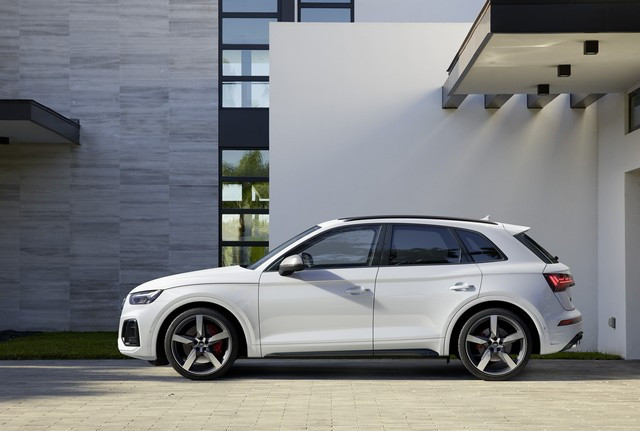 Sportivité, puissance et efficience : Audi présente la nouvelle génération de la SQ5 TDI A208368-medium