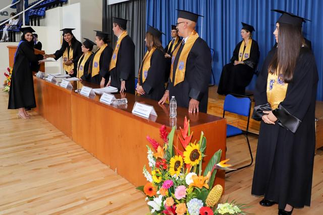 Graduacio-n-Cuatrimestral-39
