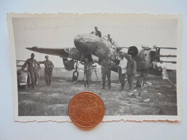 Foto-Abgeschossener-russischer-Bomber-Flieger-Flugzeug