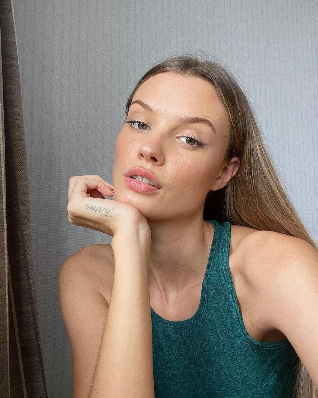Juliette-Perkins-Wallpapers-Insta-Fit-Bio-12