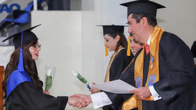 Graduacio-n-Maestri-as-10