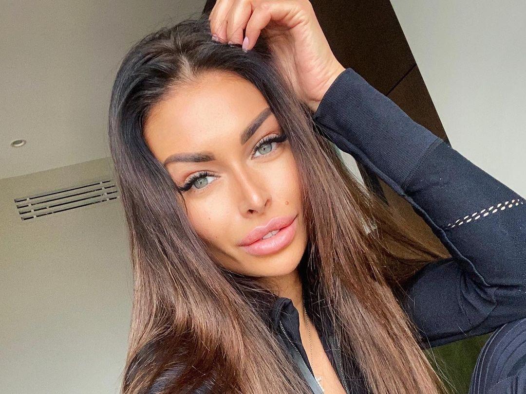 Evgenia-Alex-Wallpapers-Insta-Fit-BIo-15
