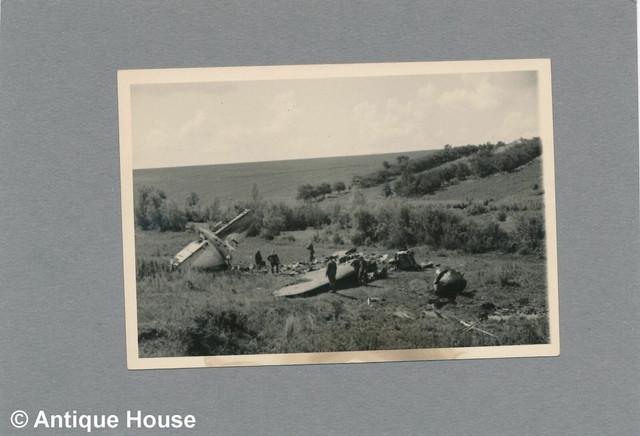 Foto-WK-II-Wehrmacht-Vormarsch-bei-Jampol-abgeschossenes