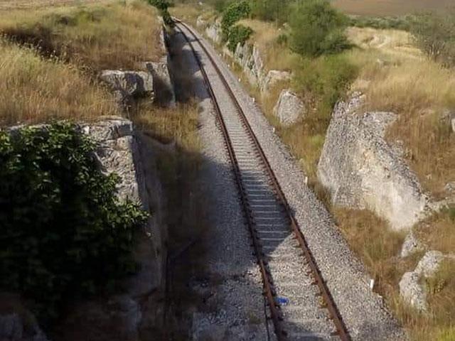 5-Lo-stesso-punto-della-ferrovia-prima-del-furto