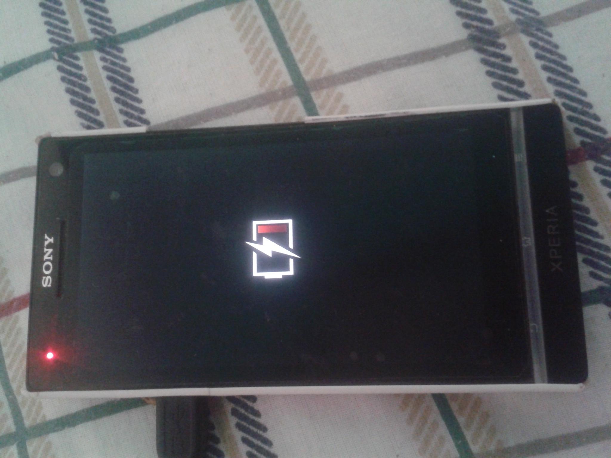 Problema con Sony Xperia S (LT26i) Carga y enciende, pero no lo reconoce la PC IMG-20190103-160804