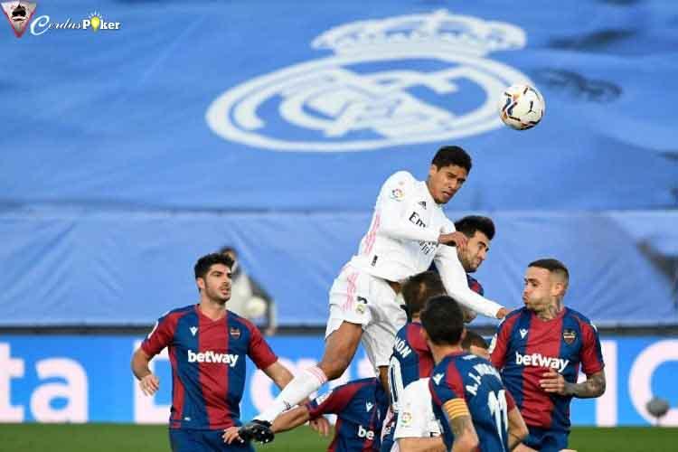 Hal Sulit Bagi Varane: Menggusur Karim Benzema sebagai Kapten Real
