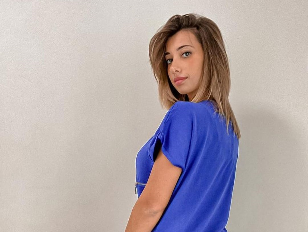 Ylenia-De-Bellis-Wallpapers-Insta-Fit-Bio-7
