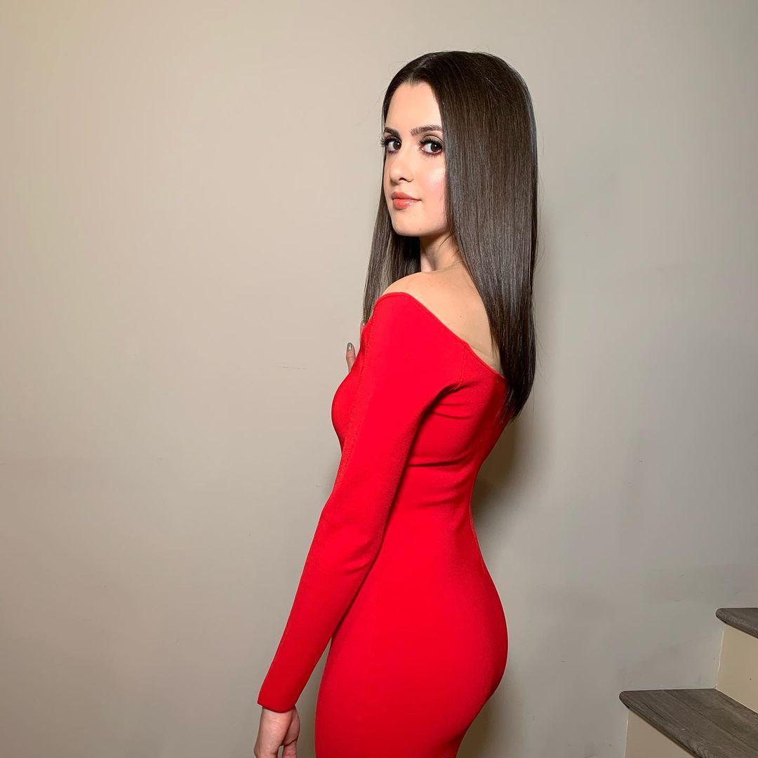 Laura-Marano-5
