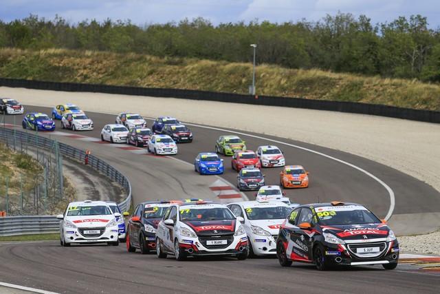 En 2021 Les Rencontres Peugeot Sport Rejoignent La 308 Racing Cup En Ultimate Cup Series AV2020090075-min