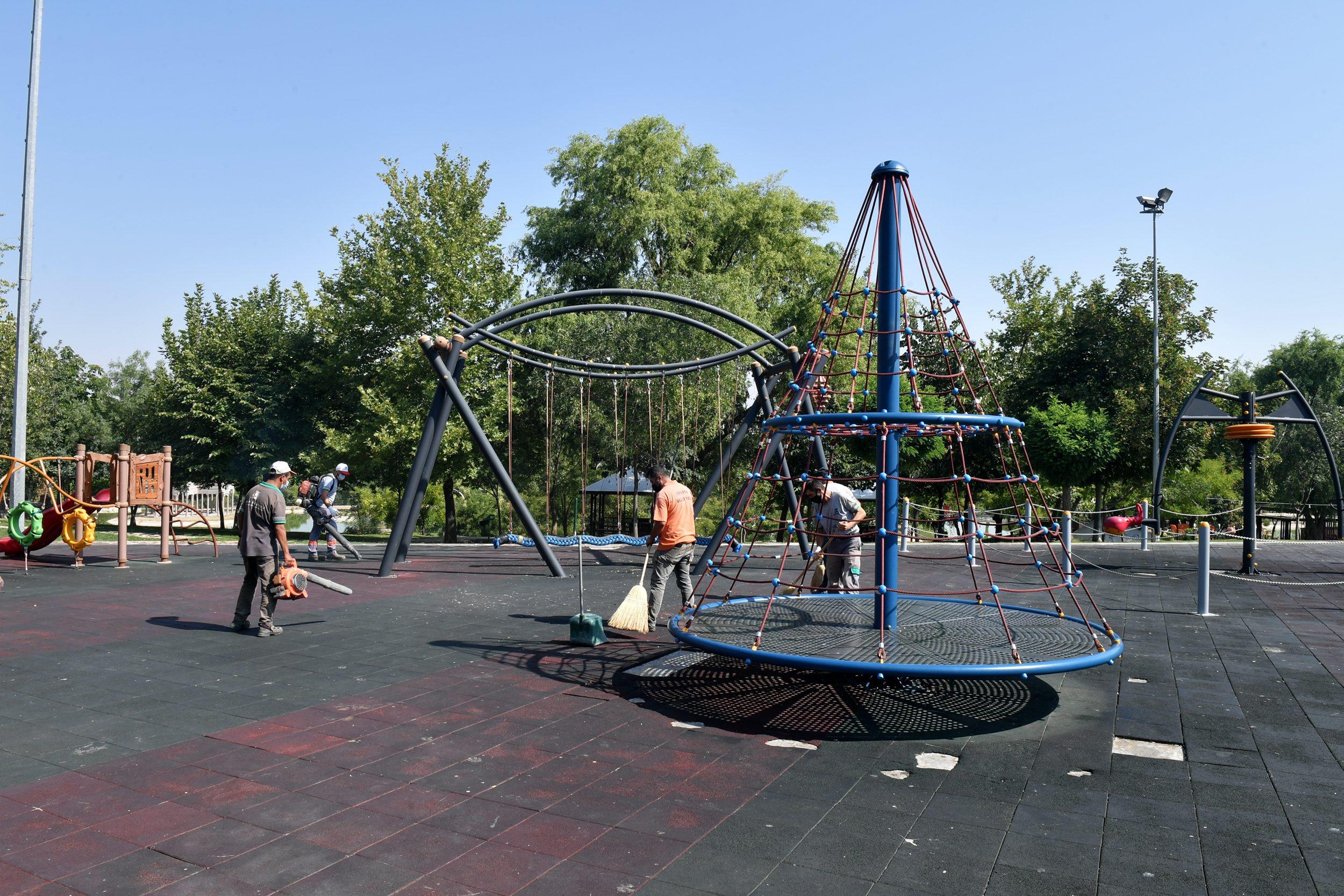 27-08-2021-park-dezenfeksiyon-3