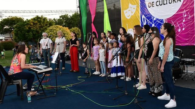 Exitosa muestra anual de los Talleres Municipales de Cultura
