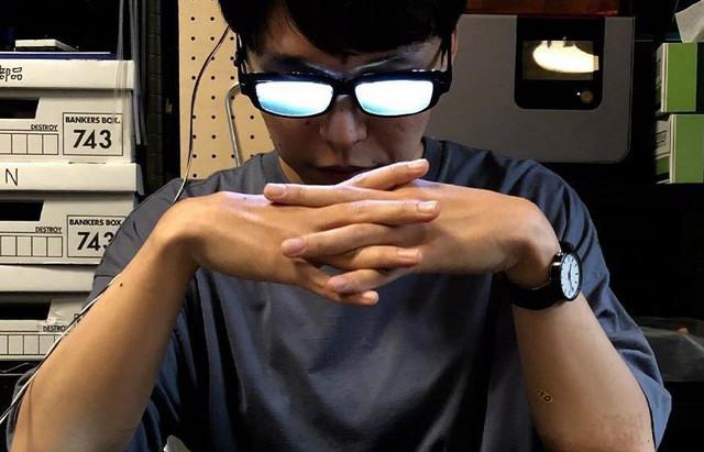 柯南同款,一推就可以发光的眼镜