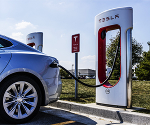 Tesla-Drops-Prices-on-Models-X-and-S-as-Purchase-Interest-Fades-Profitix-News