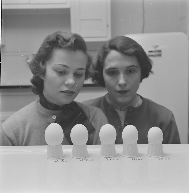 Home-Economics-course-at-Cornell-University-USA-1951-3