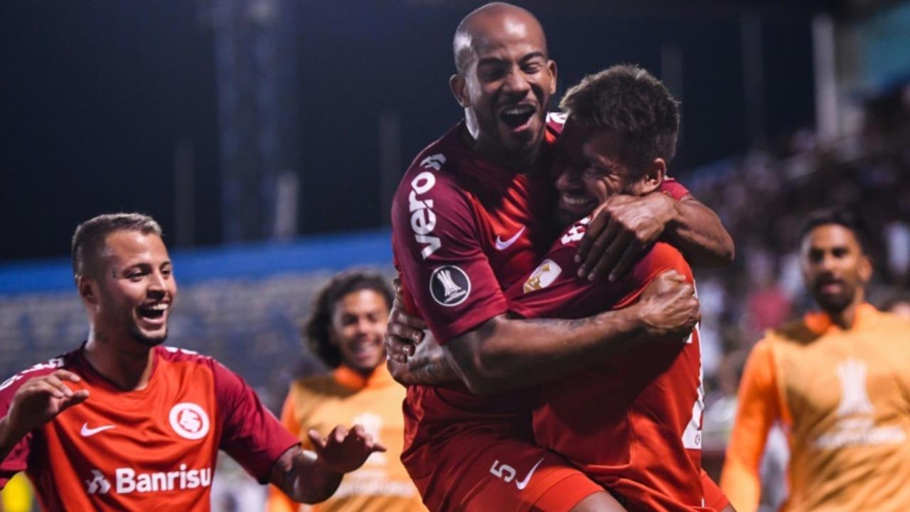 Internacional de Brasil impone su jerarquía y vence 1-0 a Palestino de Chile