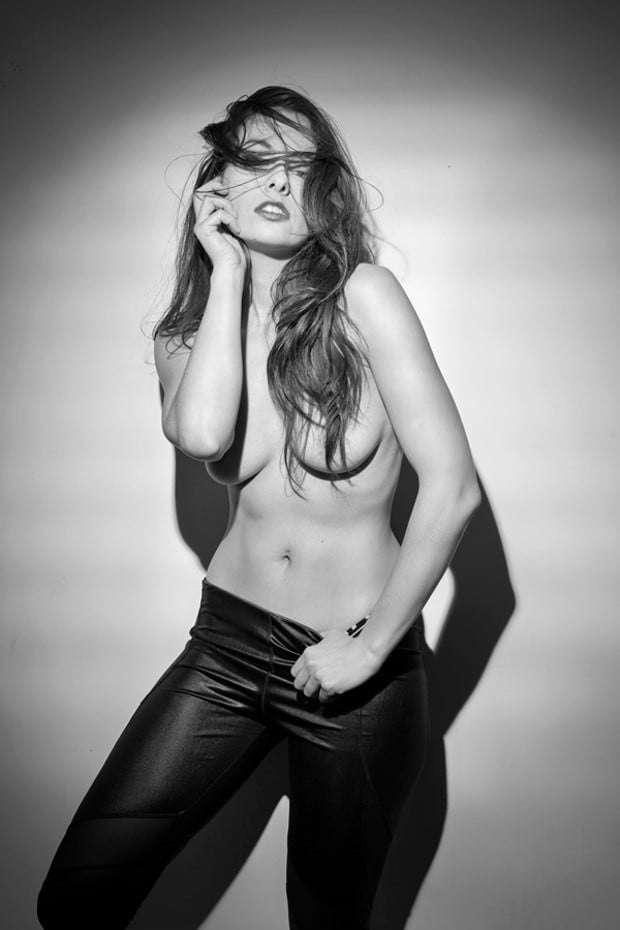 Voyeur-Flash-com-Sophie-Stage-nude-65
