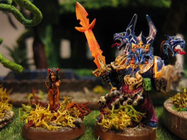 40K Chaos Sorcerer NL Slaanesh with Familiar.jpg