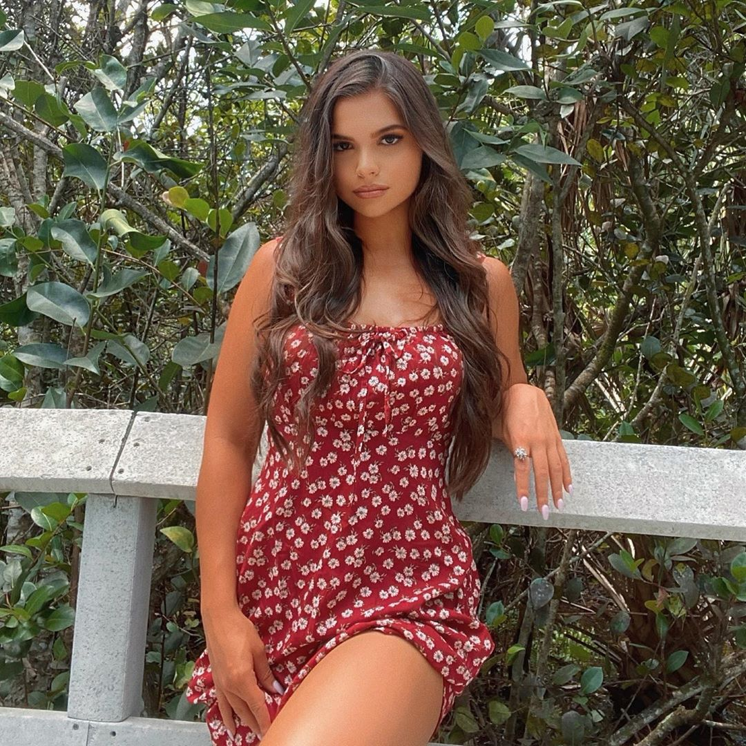Vicky-Palacio-Wallpapers-Insta-Fit-Bio-8