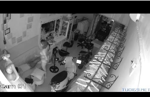 Clip: Hacker Camera Vợ chồng trẻ, Nghỉ sớm chịch cuồng nhiệt :))