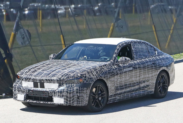 2023 - [BMW] Série 5 / M5 [G60 / G61] - Page 2 E3-DF6-AD4-31-C8-4-B49-B104-74040-E05-D540