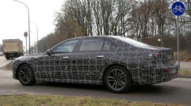 2022 - [BMW] série 7  - Page 5 DE580848-0-EA8-480-F-A107-FD232-E3-C0-CAB