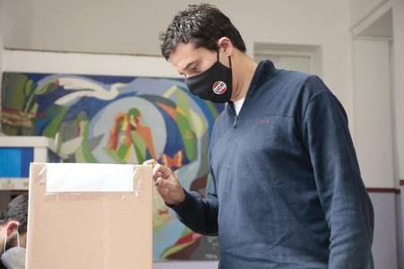 INTERNA DE LA UCR: En la sexta, Abad ganó con comodidad por más de 2.000 votos.