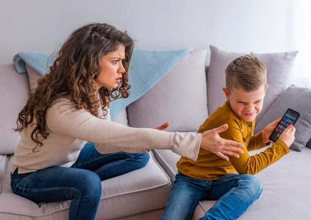Bagaimana Mencegah Anak Anda Dari Ketergantungan Gadget